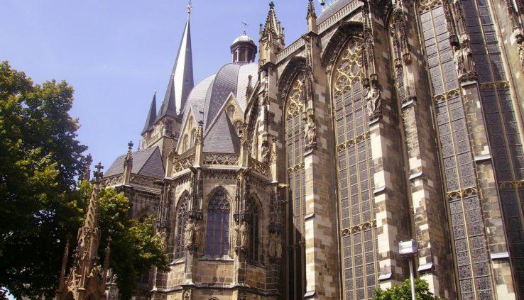 Een kathedraal in Aken
